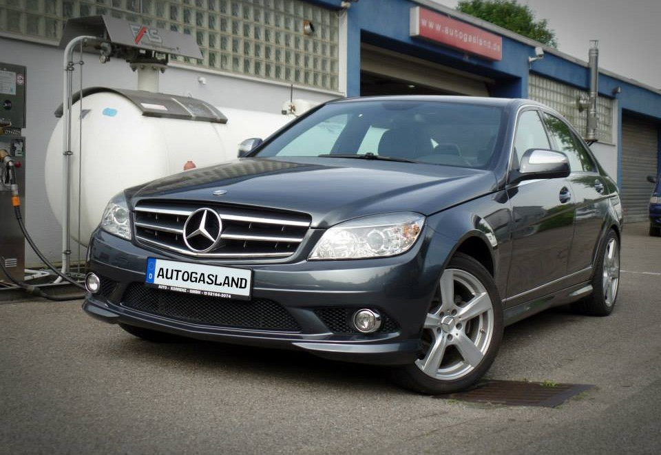 MERCEDES-BENZ C-KLASSE 300 4-MATIC